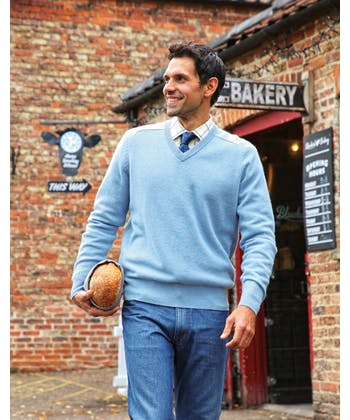 Lambswool Jumper - V Neck - Dark Blue